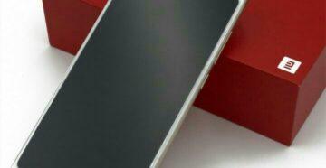 Xiaomi redmi 5 не включается горит красный индикатор