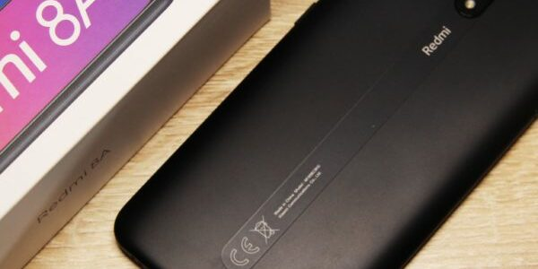 Xiaomi redmi 8A не включается горит красный индикатор